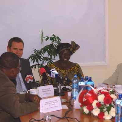 In Nairobi with Kenya's environmentalist Nobel Laureate Wangari Mathaai and British High Commissioner to Kenya, March 2007.