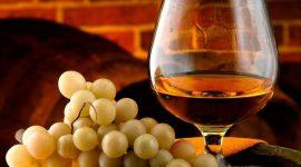 В Молдове сократилось производство коньяка и шампанского
