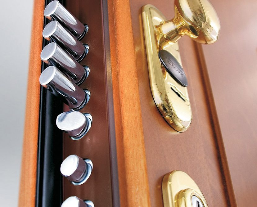abertura de portas e fechaduras