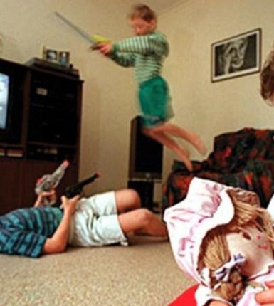 Conoce los efectos negativos que causa el exceso de la TV en tus hijos