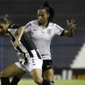 Timão Feminino vence Botafogo e segue 100% no Brasileirão