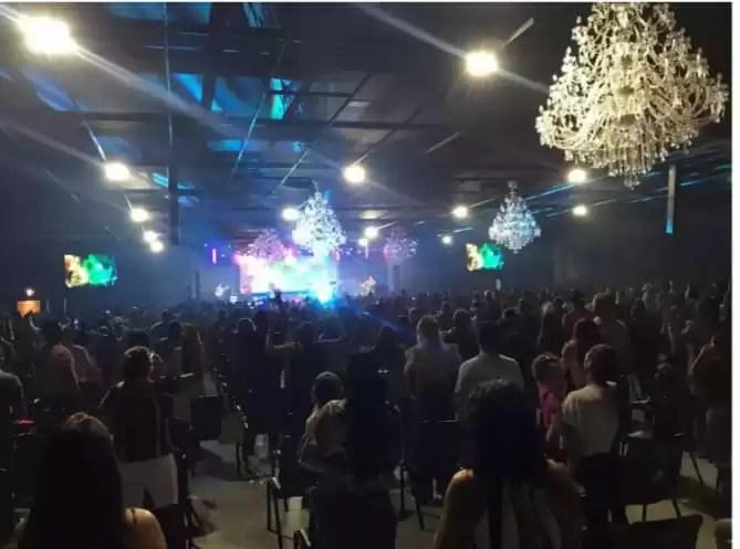 Decreto libera 50% de público em festas e shows