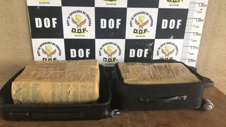 Homem que seguia para São Paulo com mais de 28 quilos de maconha foi preso pelo DOF durante a Operação Hórus