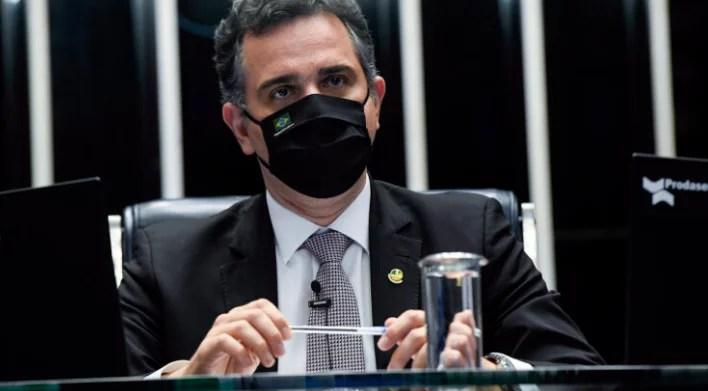 Pacheco devolve MP que restringia retirada de conteúdo em redes sociais