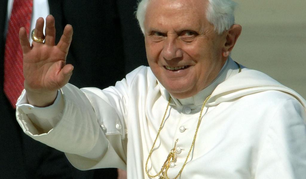 Defiende Benedicto XVI celibato de sacerdotes
