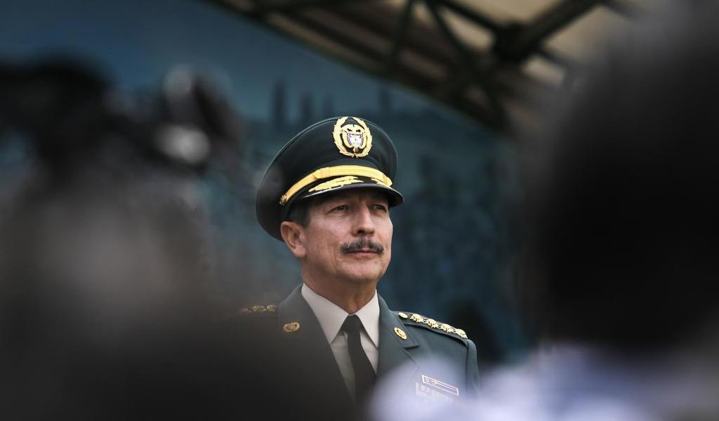 Exmilitar niega salida del cargo por escuchas ilegales