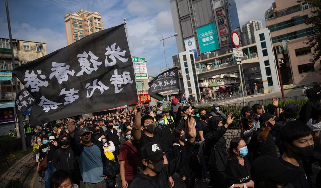 Veta China a HRW por apoyo a protestas