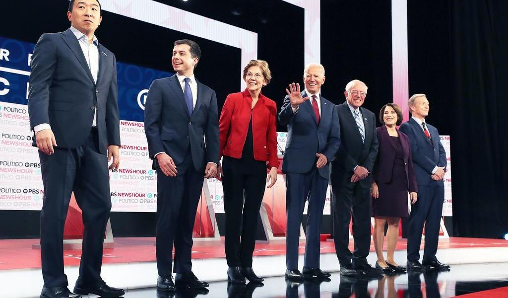 Sin favoritos, demócratas concluyen debates antes de votaciones en Iowa
