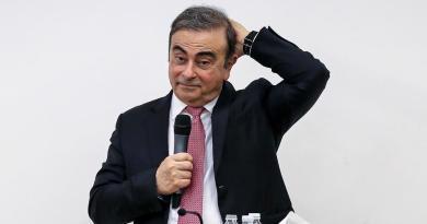 Equipo legal de Carlos Ghosn renuncia al caso