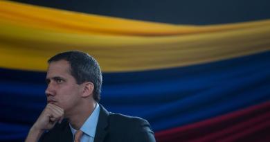 Exiliados urgen a Guaidó a que pida a EUA una intervención militar en Venezuela