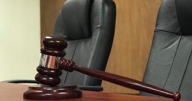 Denuncian a magistrado de CDMX por presunto abuso a sus hijas