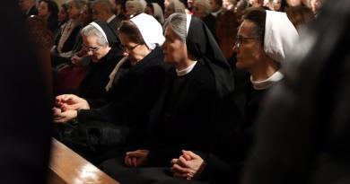 Disminuye número de monjas por abusos