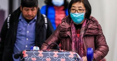 Analiza Casa Blanca prohibición temporal de vuelos a China por coronavirus