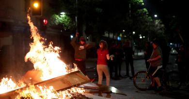 Protestas dejan un muerto y 124 detenidos en Chile