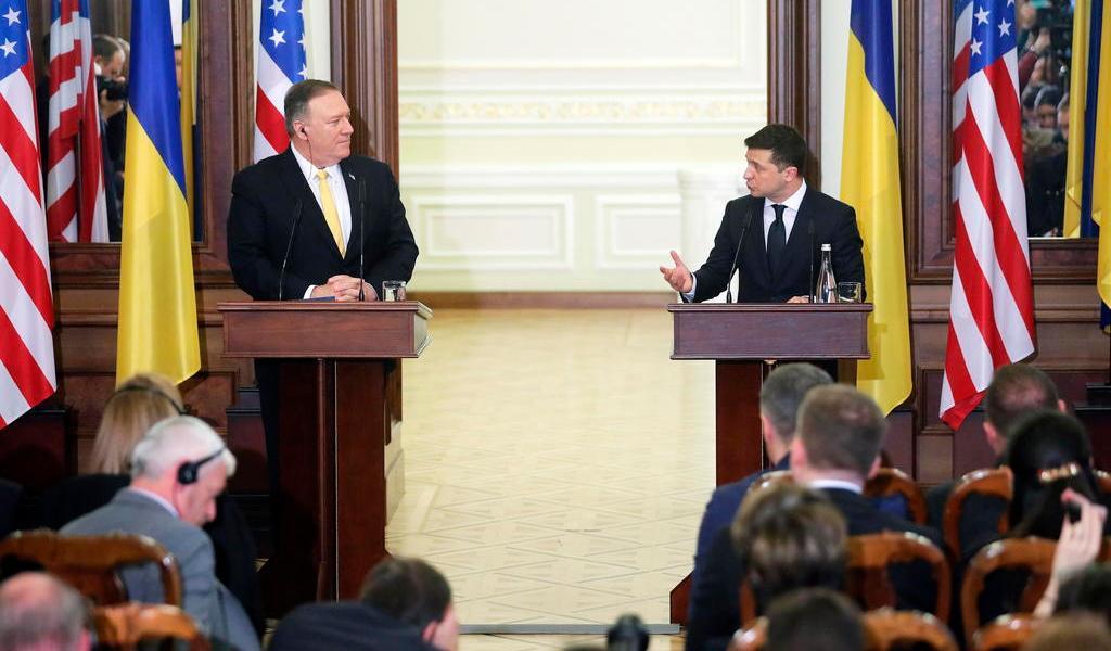 Pompeo reafirma apoyo de EUA a Ucrania en medio del proceso contra Trump