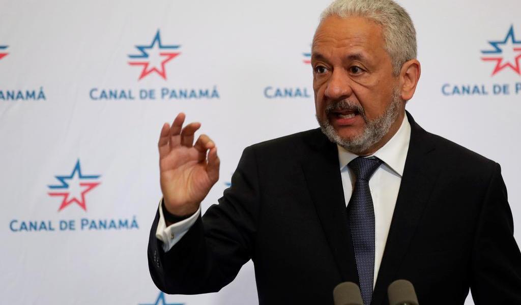 Aumentan salario al jefe del Canal de Panamá; se genera polémica