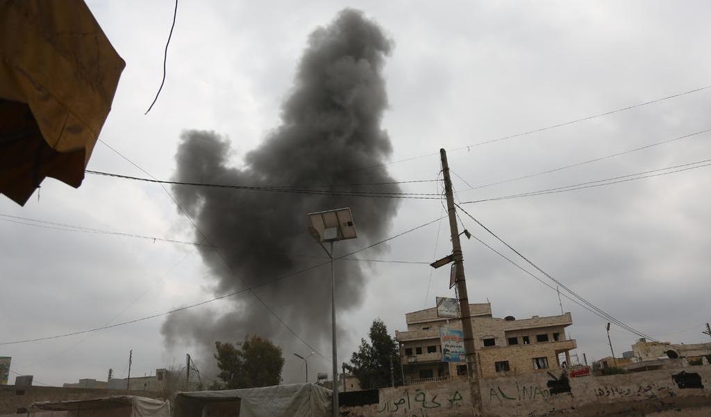 Fuerzas sirias intensifican ofensiva; hay decenas de muertos