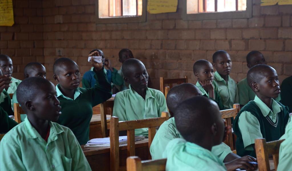 Estampida en escuela de Kenia deja 14 alumnos muertos
