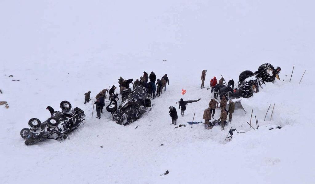 Suman 38 los muertos por dos aludes de nieve en Turquía suroriental