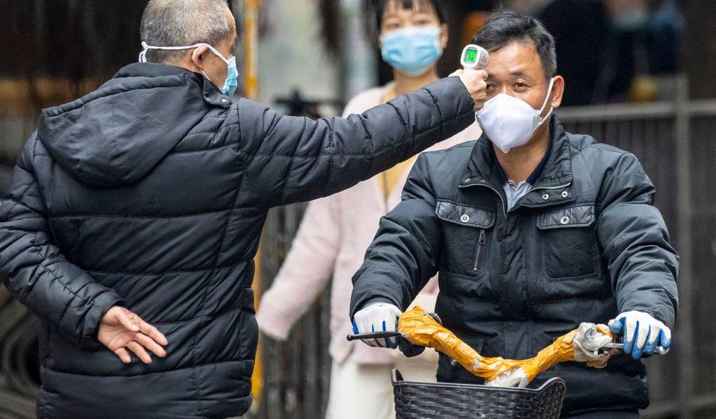 Wuhan lucha por más recursos