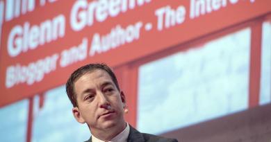 Desestima juez acusaciones contra Glenn Greenwald en Brasil