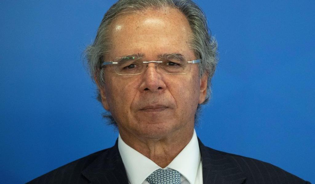 Ministro de Economía de Brasil compara a los funcionarios con 'parásitos'