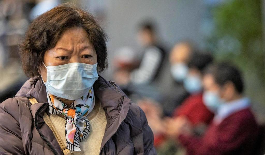 Aumentan a 722 los muertos entre 34,546 contagiados de coronavirus en China
