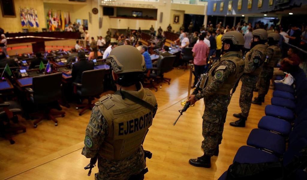 Militarización en el Congreso puso en riesgo al país: ombudsman salvadoreño