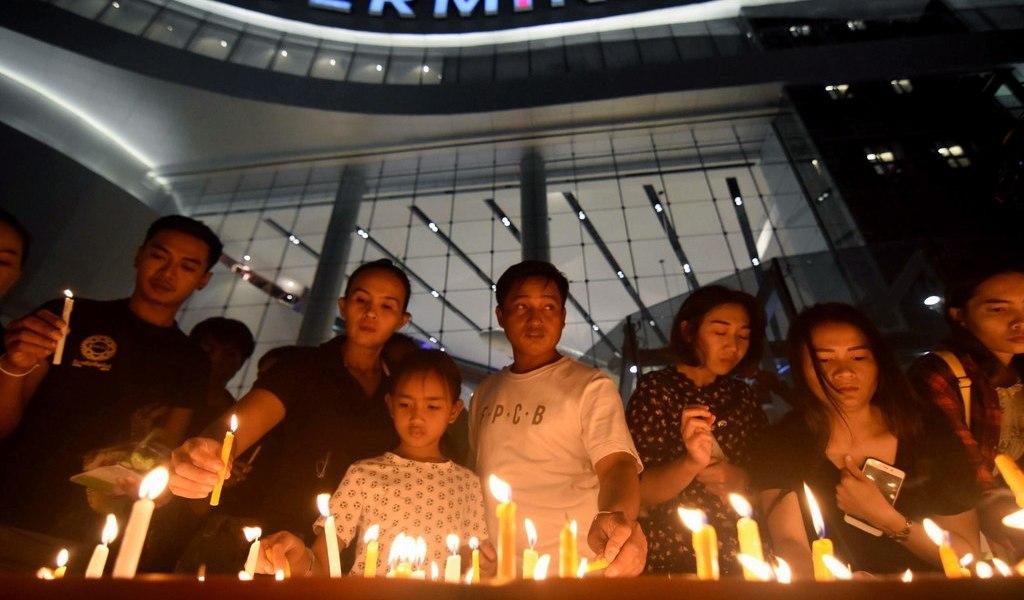 Llora Tailandia a víctimas de tiroteo