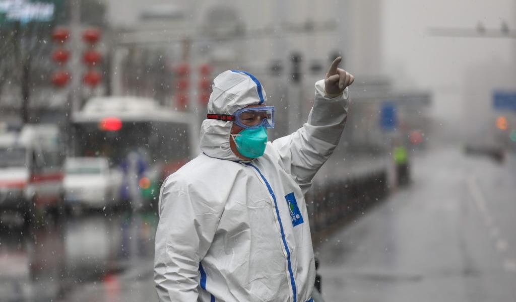China eleva a 1,665 los fallecidos por el coronavirus