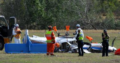 Chocan dos avionetas en pleno vuelo en Australia; hay cuatro muertos