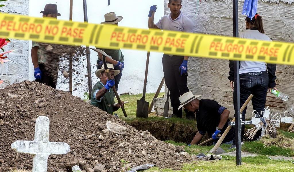 Exhuman 54 cuerpos de víctimas de ejecuciones en Colombia