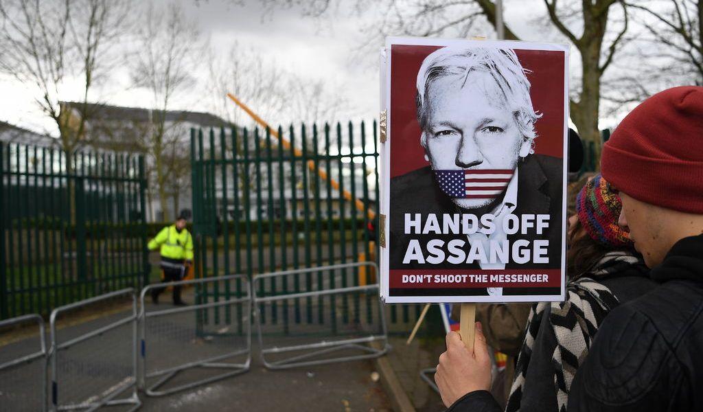 Assange no debe ser extraditado por caso político