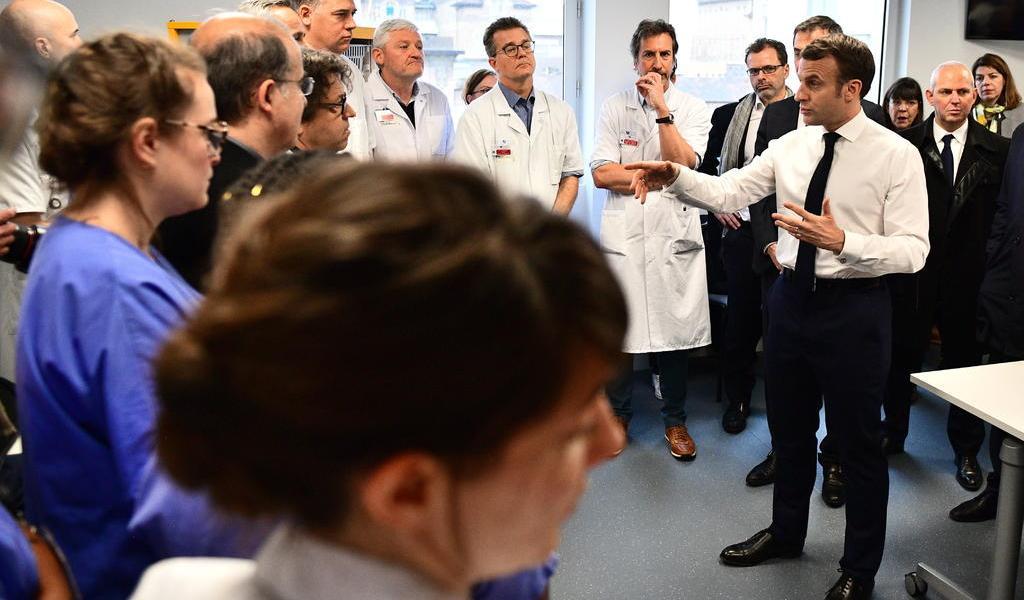 'Nos enfrentamos a una epidemia que está llegando' dice Macron del coronavirus