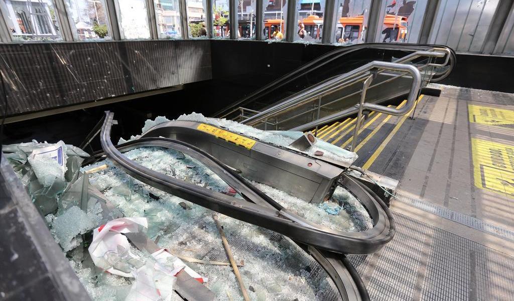 Protestas en Chile retrasan la ampliación del metro de Santiago