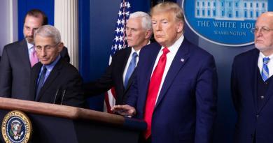 Trump se reunirá con líderes talibanes 'en un futuro' cercano