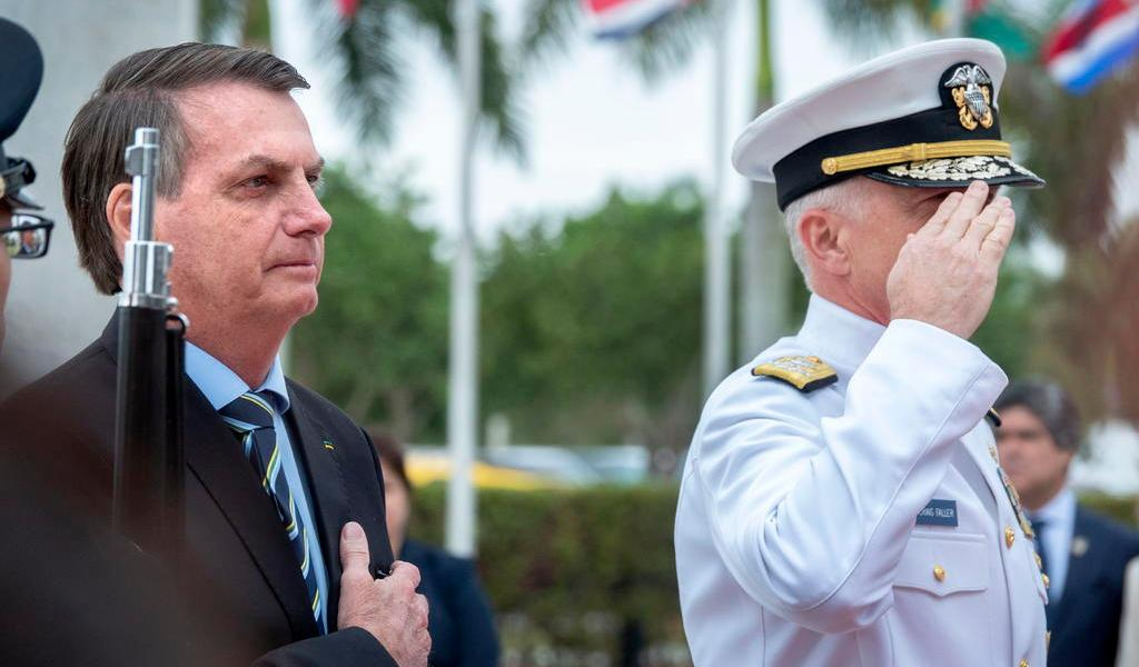 Fortalece Bolsonaro alianza militar con EUA