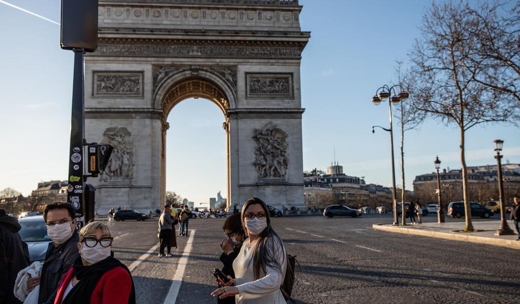 Casos de coronavirus se duplican cada tres días en Francia