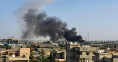 Duros combates en Trípoli dejan más de 30 muertos