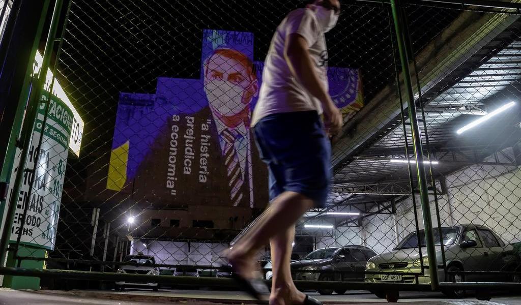 Permite Bolsonaro suspensión de pagos a trabajadores durante pandemia