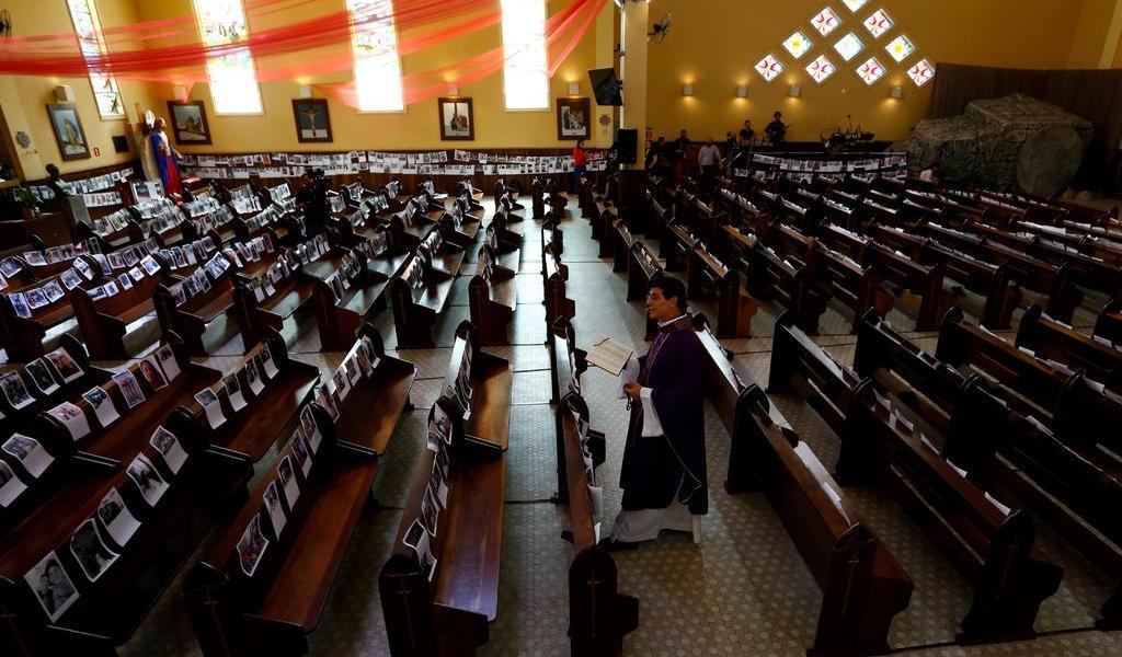 Decreta Bolsonaro que actividades religiosas deben continuar pese al COVID-19