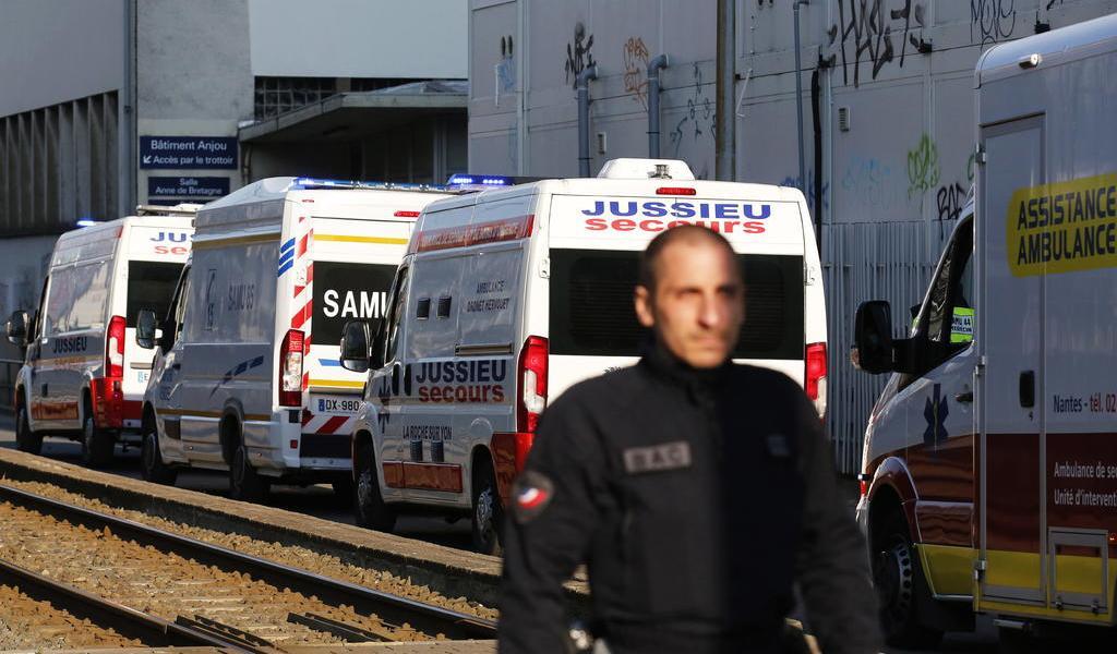Omiten contabilizar las muertes en casas y residencias por COVID-19 en Francia