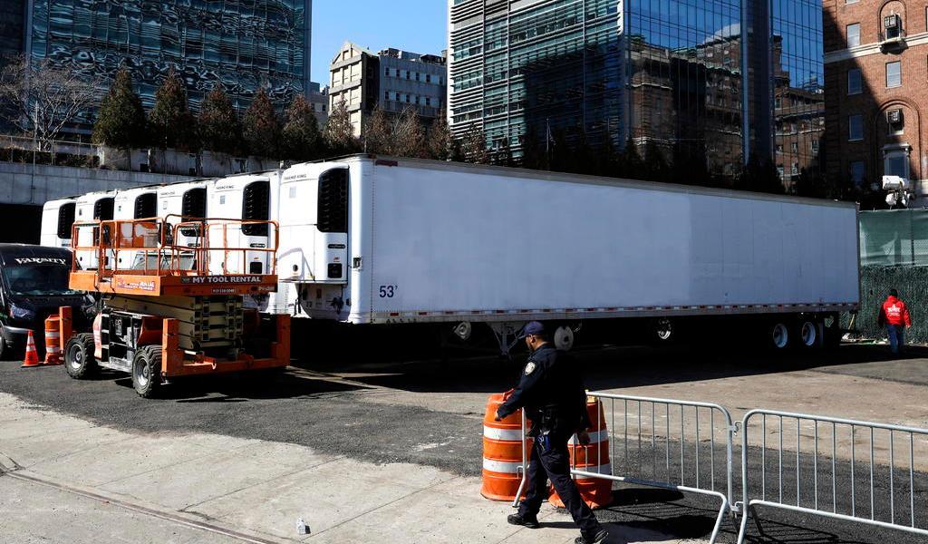 Nueva York instala morgue improvisada ante aumento de muertes por COVID-19