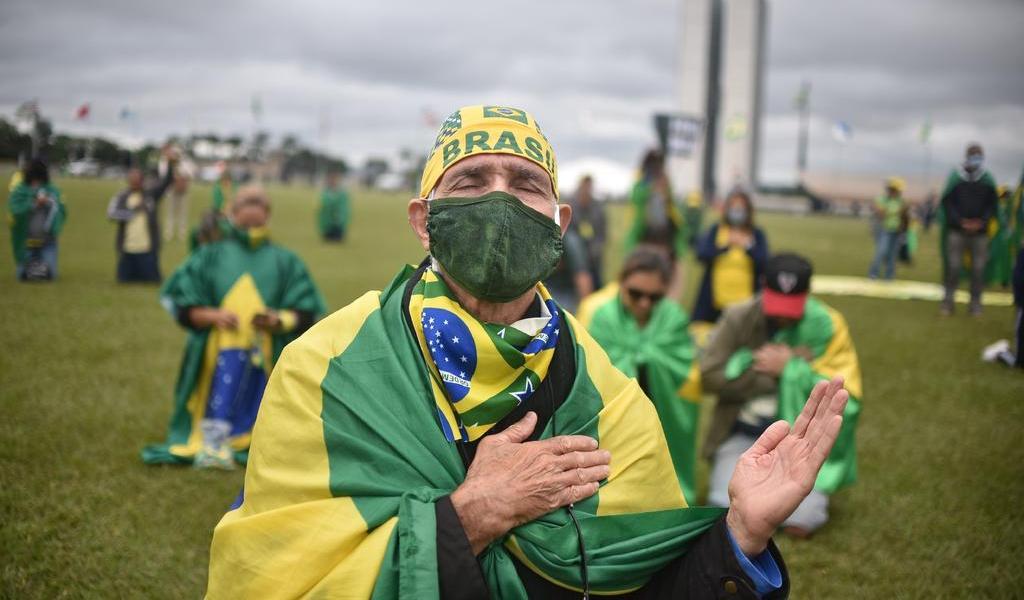 Tres días de luto nacional en Brasil por fallecidos en pandemia de COVID-19