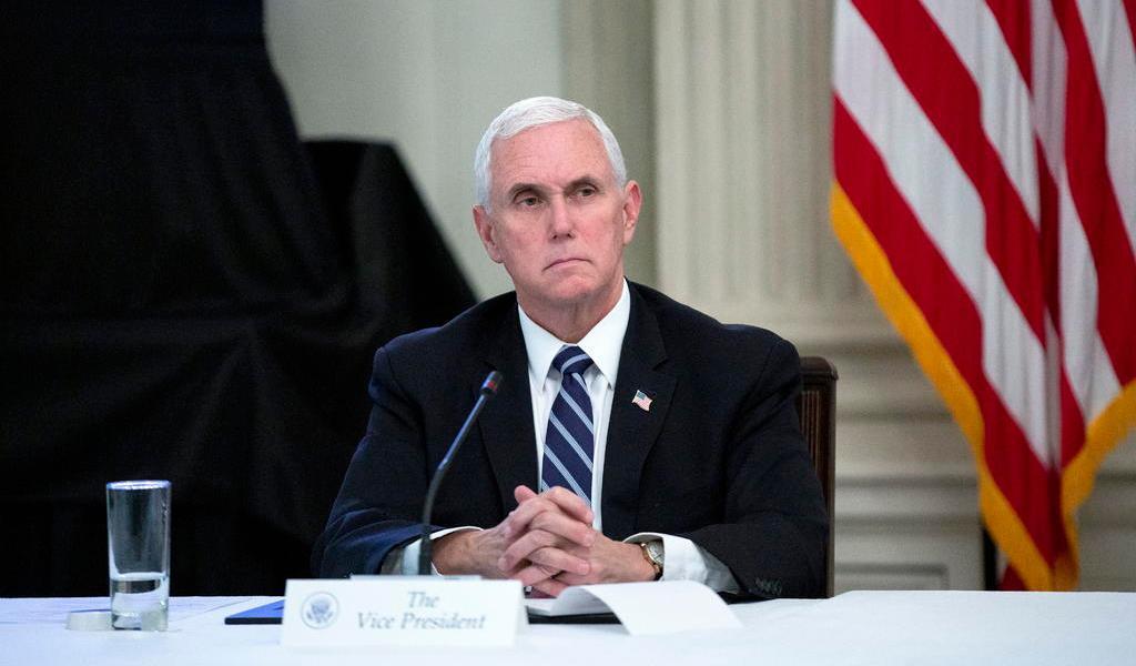 Mike Pence es puesto en cuarentena por posible COVID-19