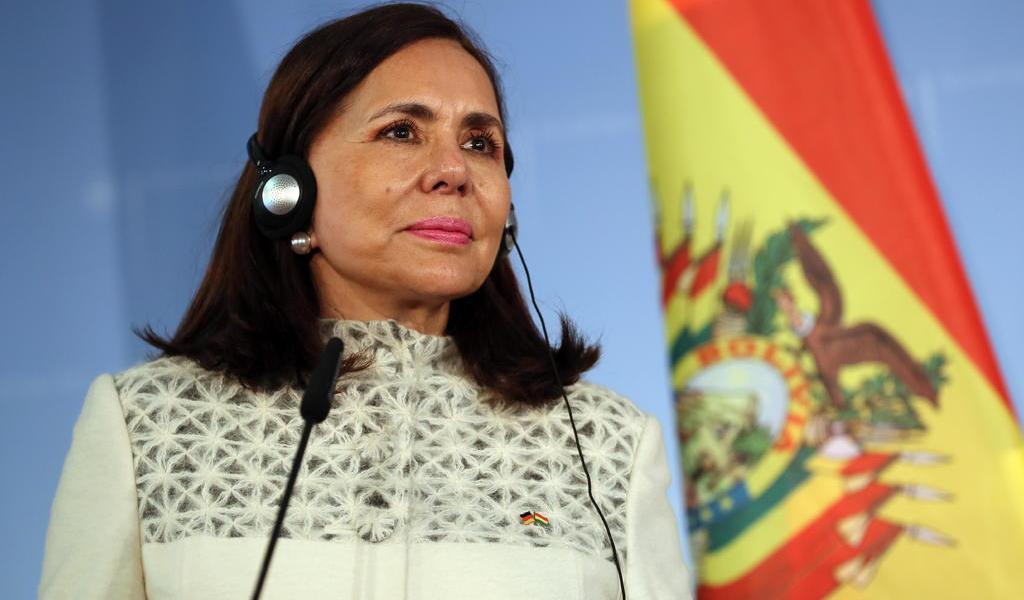 Canciller de Bolivia niega estar involucrado en compra de respiradores a sobrecosto