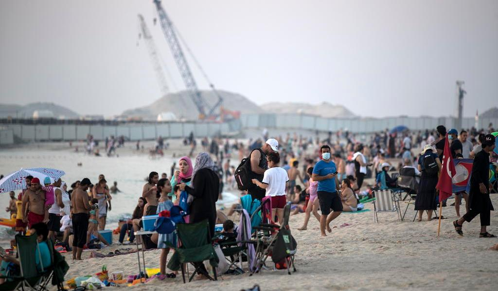 Países árabes de Oriente Medio relajan las restricciones por el COVID-19