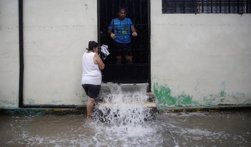 Aumenta a 14 cifra de muertos por tormenta Amanda en El Salvador
