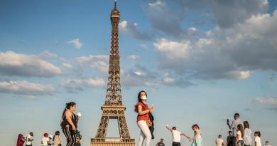 Supera Francia los 29 mil muertos por COVID-19