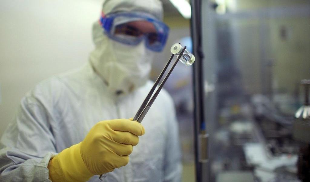 Universidad de Oxford probará su vacuna contra COVID-19 en mil brasileños